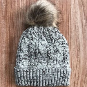 Accessories - Cream Marble Pom Beanie